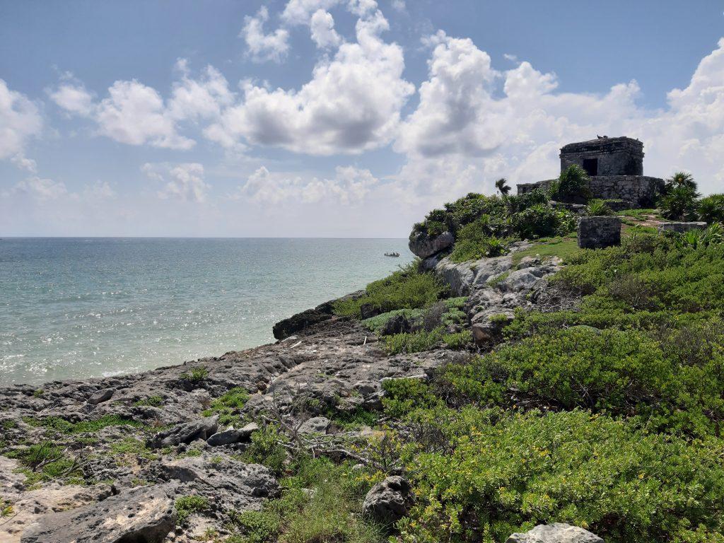 Tulum, widok na Morze Karaibskie, Meksyk
