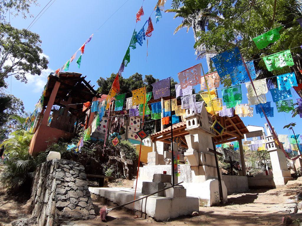 SAyulita Meksyk kolorowy cmentarz