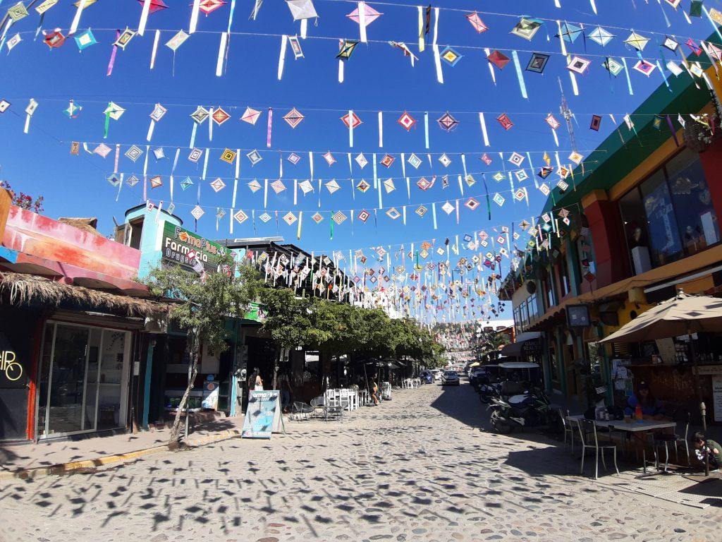 SAyulita Meksyk kolorowe chorągiewki